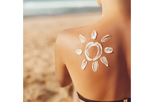 You Might Be Forgetting To Apply Sunscreen To These Key Spots