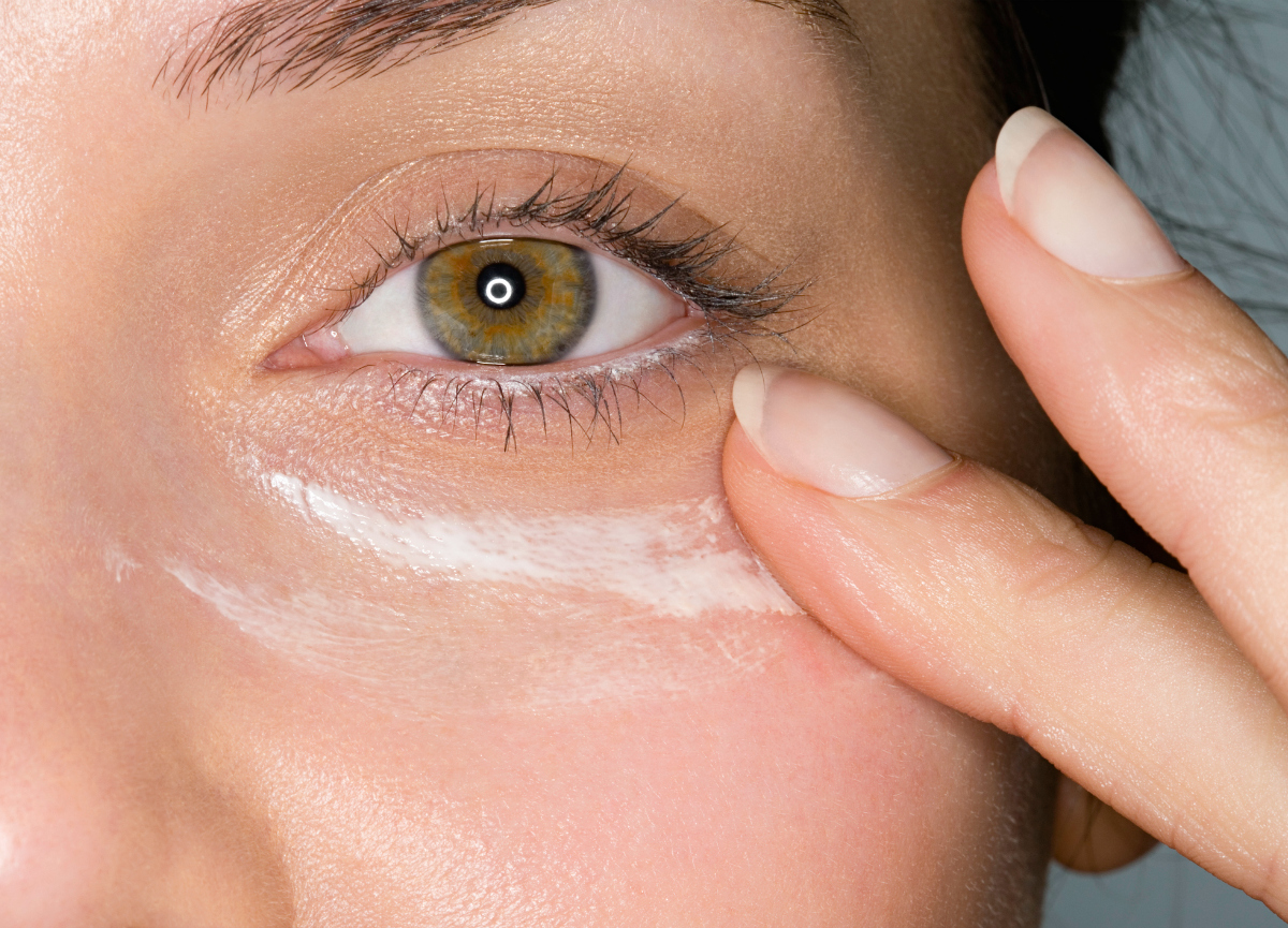 How to apply eye products the right way