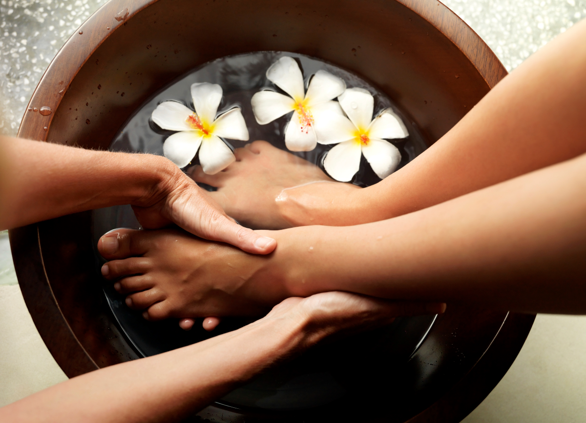 How to do an at-home pedicure for your cruise